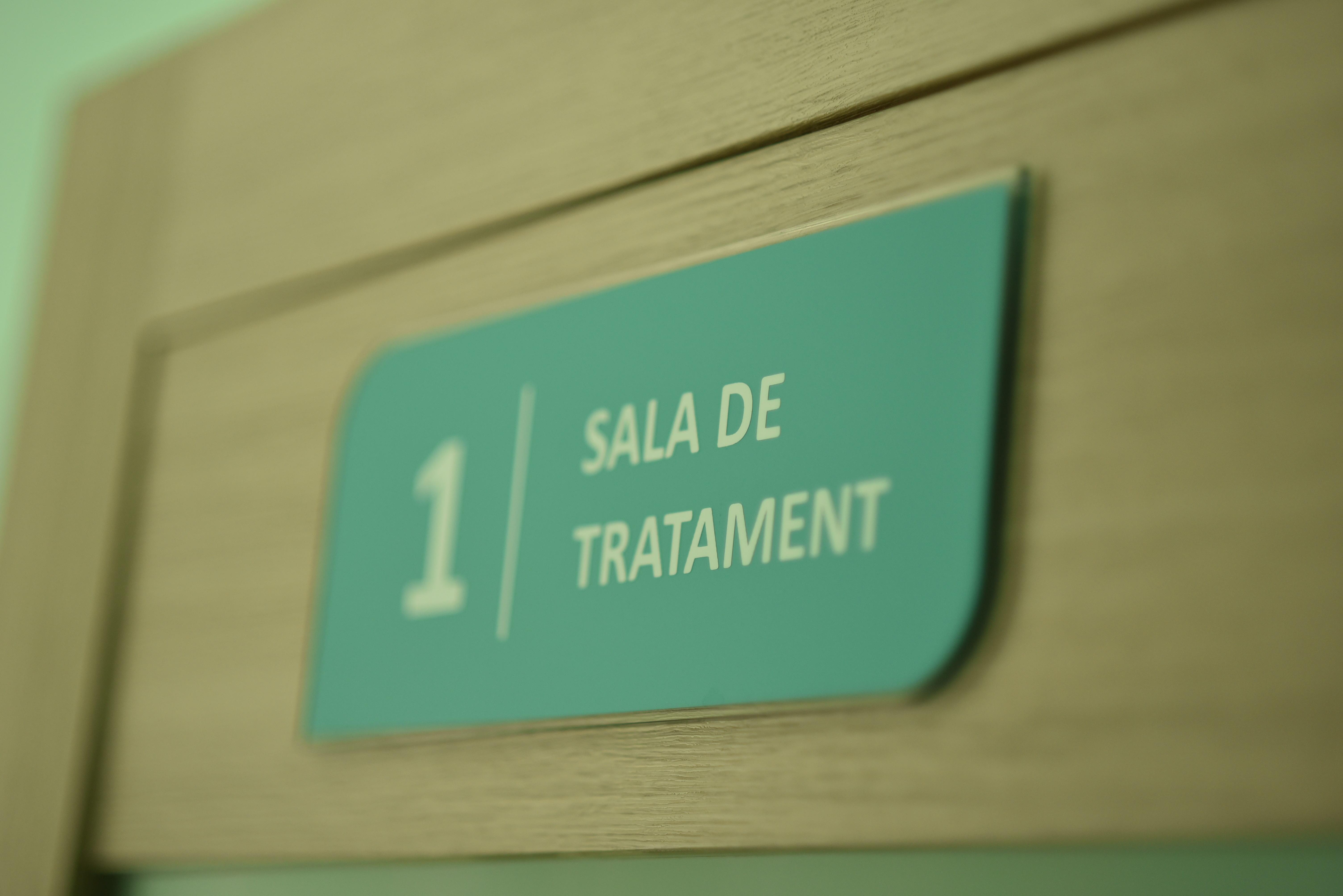 sala de tratament placa pe cabinet dentar chisinau